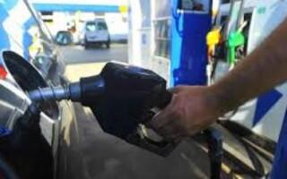 Desde hoy los combustibles de YPF cuestan 3,2% menos