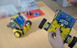 Gran avance: más de 90 escuelas matanceras enseñarán robótica en primaria