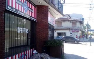 Crisis en el sector de la carne: en una misma cuadra, cerraron dos carnicerías en Villa Luzuriaga