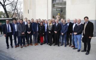 La presidenta de la FAM, Verónica Magario, junto a intendentes del país defendieron la autonomía municipal en la Corte Suprema de Justicia