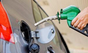 Julio no da tregua: Axion y Shell se sumaron a YPF y aumentaron sus naftas hasta 2,5 por ciento