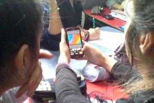 Instan a padres a monitorear las actividades de los chicos en Internet para evitar ser víctimas de acoso virtual