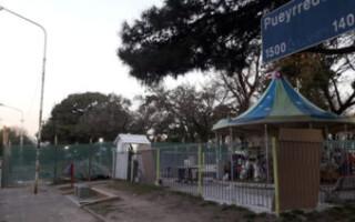 Ramos Mejía: realizan trabajos de mantenimiento en la plaza Bomberitos