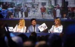 Fernando Espinoza presentó su libro «10 años construyendo futuro» en la Feria del Libro de La Matanza