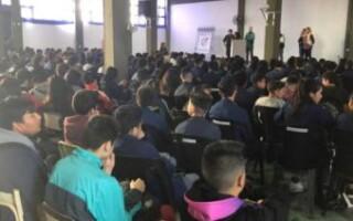 Escuela de Casanova impulsa una iniciativa para que líneas de colectivos brinden un servicio para los estudiantes