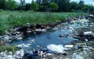 González Catán: protestan por la acumulación de basura a metros del hospital del km. 32