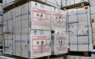 El Ministerio de Salud nacional liberó más de doce millones de vacunas retenidas en la Aduana