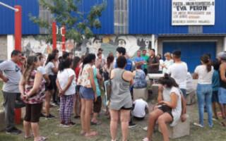 Vecinos reclamaron «seguridad» frente a la comisaría de Rafael Castillo