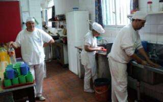 Los talleres protegidos, atravesados por la falta de pagos, el aislamiento y la escasez de demanda