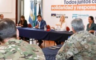 Espinoza y Magario se reunieron con autoridades del Ejército y funcionarios nacionales para la distribución de alimentos en La Matanza.
