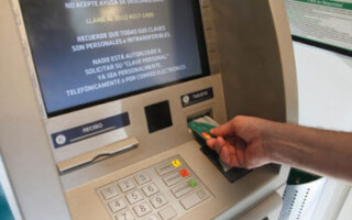 La Matanza implementa operativo de ordenamiento de colas en los bancos tras la medida de descentralización de cobros emitida por el BCRA