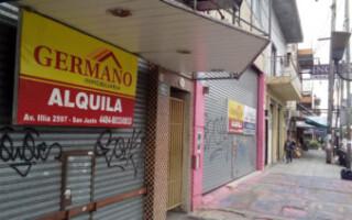 """Comerciantes de San Justo reclaman la reapertura de los locales y aseguran que """"ya cerraron 60"""""""