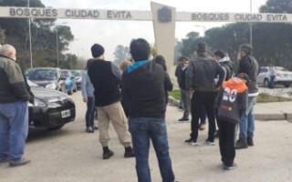 """Frentistas inician un """"plan de lucha"""" para exigir el desalojo de la Reserva Natural de Ciudad Evita"""