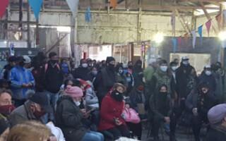"""Ferias desalojadas: """"Nos solidarizamos con quienes perdieron sus puestos"""", remarcan desde Galpón 3"""