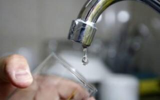 Aysa aclaró por qué el agua puede tener mal olor y sabor extraño