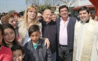 Fernando Espinoza decretó tres días de duelo en La Matanza por la muerte del padre Bachi