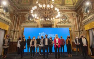 Kicillof presentó el programa Aulas del Bicentenario para la continuidad de la educación virtual
