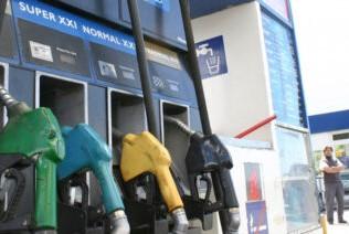 Los combustibles aumentaron 2,5 por ciento y no se descartan nuevas subas