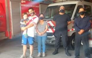 Bomberos le salvan la vida a un nene de 2 años en Virrey del Pino
