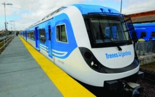 Belgrano Sur: regresa el tren a la estación 20 de Junio