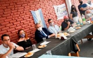 El Presidente llegó a La Matanza para visitar una cooperativa que trabaja por la reinserción con el Movimiento Evita