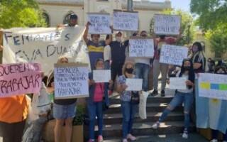 San Justo: feriantes se manifestaron frente al Municipio para pedir que les permitan trabajar