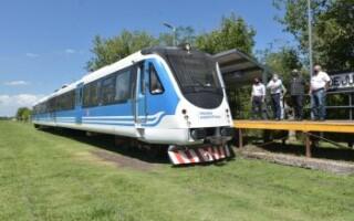 Tras 28 años, volvió el tren Belgrano Sur a Marcos Paz