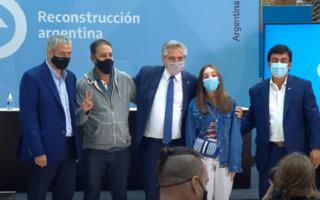 """El Presidente entregó viviendas del ProCreAr de Ciudad Evita y criticó la """"miserabilidad política"""" de dejarlas vacías"""