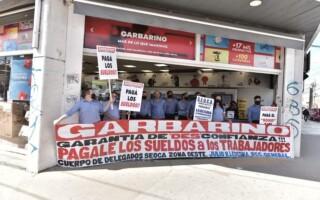 Gregorio de Laferrere: por un conflicto laboral, los trabajadores de Garbarino realizan retención de tareas