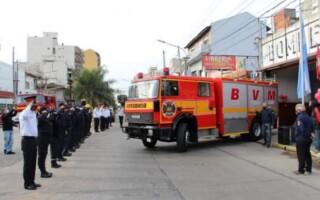 Los Bomberos Voluntarios de Tapiales, con nueva autobomba
