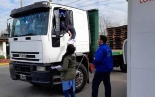 Virrey del Pino: ayudan a los trabajadores de Manaos a inscribirse para la vacuna