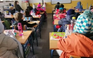 Presencialidad, frío y ventanas abiertas: cómo fue el regreso a las aulas