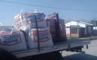 Virrey del Pino: el Municipio entregó la última tanda de materiales para las mejoras en la Plaza ARA San Juan