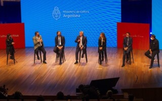 Desde el Centro Cultural Kirchner, el Gobierno anunció medidas para reactivar el sector de la cultura