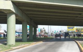 Caos de tránsito en la Rotonda de San Justo por una protesta a caballo