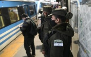 Trenes: sumaron efectivos de Gendarmería para custodiar las líneas Belgrano Sur y Roca