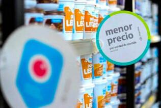 Cruces entre Gobierno y oposición por el decreto que congela precios de alimentos